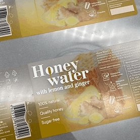 Этикетка на суперпрозрачной пленке с эффектом no label look без отделки на прозрачную тару