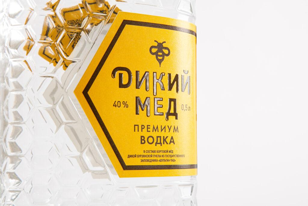 Этикетка на водку «Дикий мед» крупно