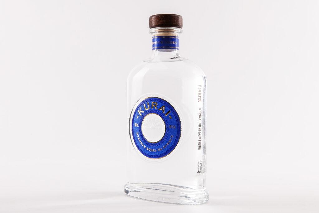 Этикетка на бутылке водки KURAI